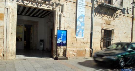 Entrada a la oficina de turismo en el Burgo de Osma. / SN