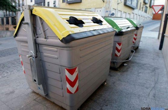 Contenedores de residuos sólidos urbanos en la capital. / SN