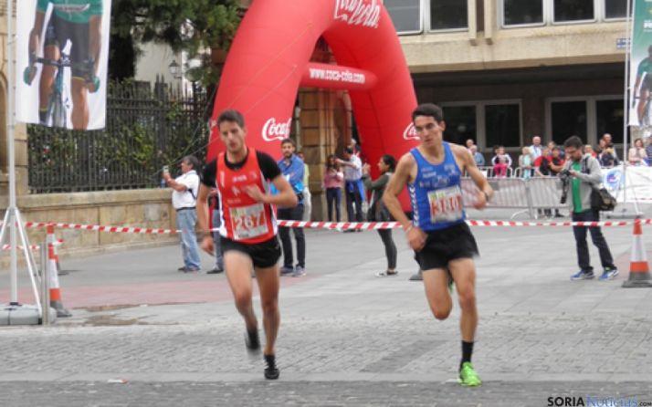 Dani Mateo en 5K y David Bacuñana en 10K, vencedores de la Carrera Popular Abel Antón