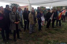 Algunos de los asistentes al homenaje a Camacho.