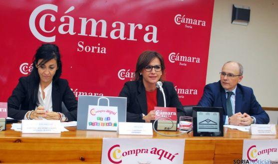 Sanz, (izda.), Martín y Tierno este martes en la Cámara./SN