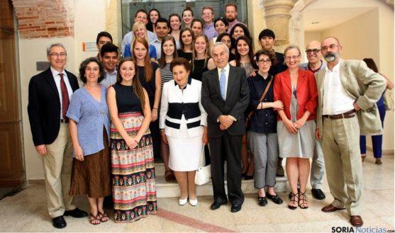 García (izda.) con los Duques, profesores y alumnos del CIAM.