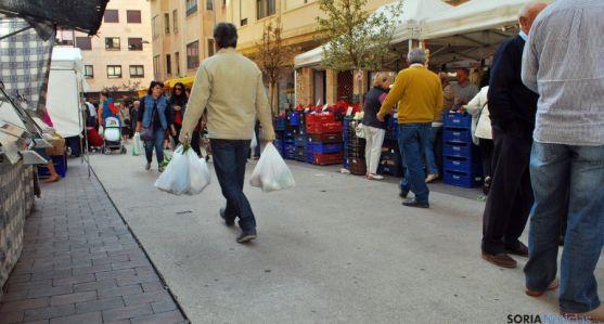 Imagen de un mercadillo de jueves en la capital. / SN