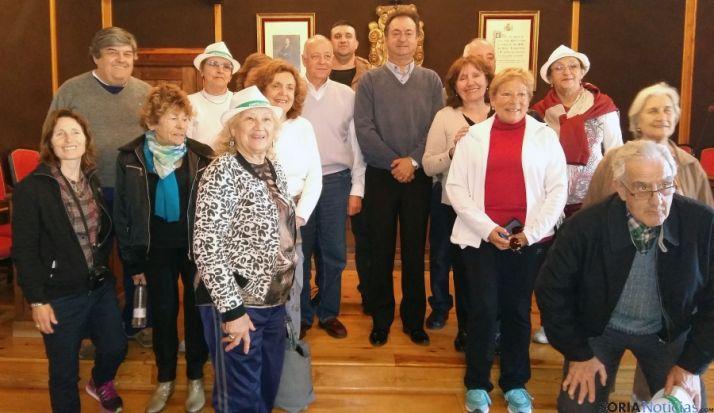 El grupo con el alcalde.