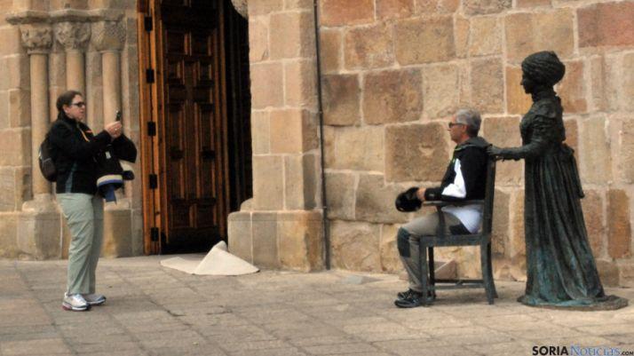 Dos turistas en la capital. / SN
