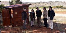 El delegado territorial, (ctro.) en la visita al nuevo muladar. / Jta.