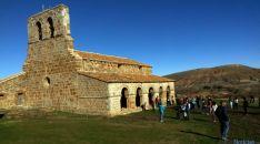 Turistas en Tiermes este noviembre. / SN