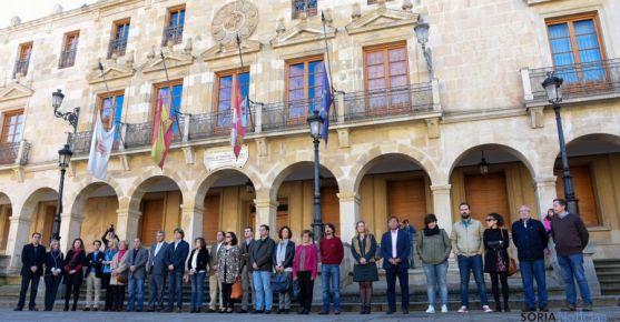 Representantes de todas las instituciones y formaciones, presentes en la concentración