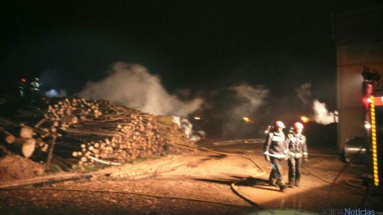 Nueve bomberos han participado en la extinción