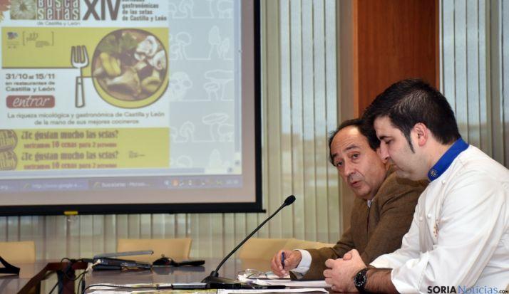 Manuel López (izda), con el delegado de 'Euro-toques', Juan Carlos Benito.
