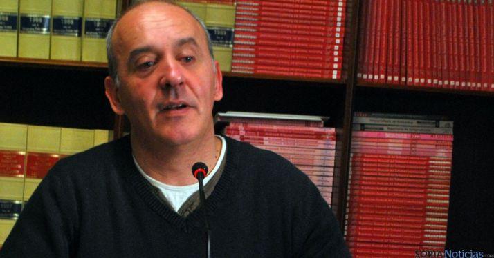 Enrique García, de IU, en rueda informativa. / SN