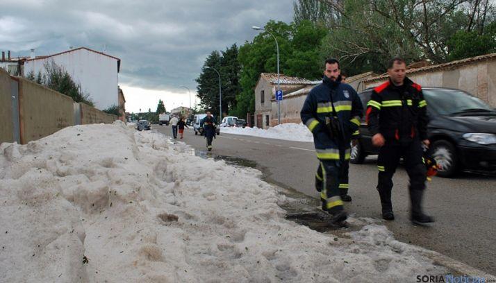 Imagen de una de las calles tras la tremenda borrasca.  / SN