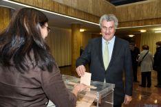 Posada ha votado en el Ayuntamiento de Soria.