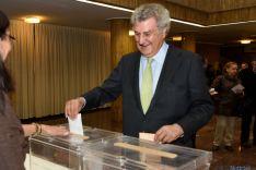 Posada reconoce el paso atrás del bipartidismo en estas elecciones
