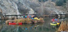 Los piragüistas sorianos esta tarde de Nochebuena en el Duero.