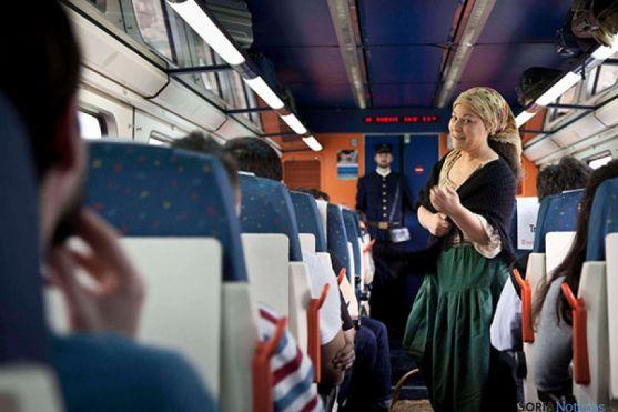 Representación ambientada dentro del tren turístico 'machadiano' de Soria a Madrid