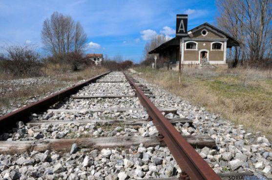 La vía ferroviaria clausurada será transformada en via verde.