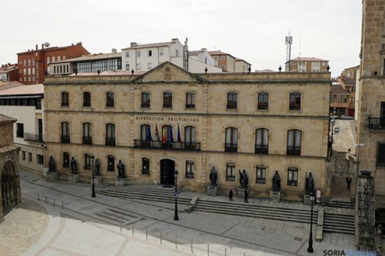 Fachada de la Diputación provincial.