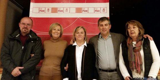 Candidatos socialistas en Pinares este viernes.
