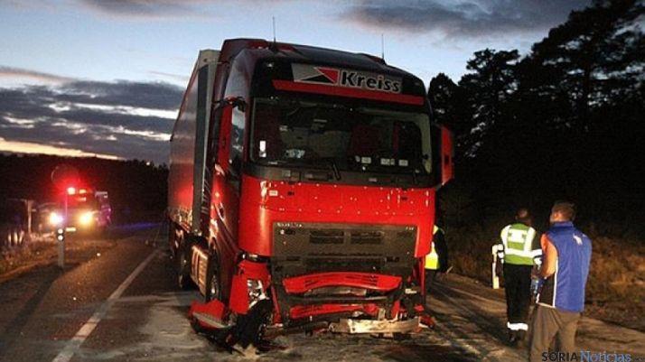 Camión siniestrado en la N-234, en accidente mortal.
