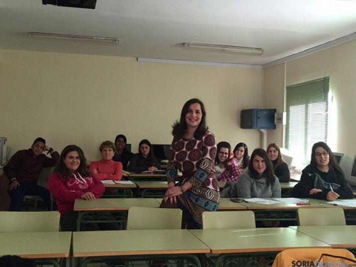 La profesora Miriam Pascual, en una clase.