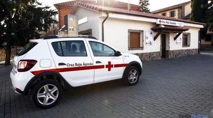 El nuevo vehículo frente a la sede.