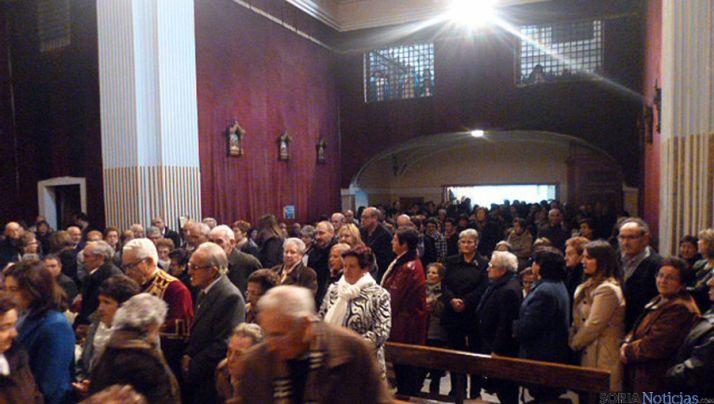 Asistentes a la eucaristía en el monasterio de la Concepción, en Ágreda. / GTSM