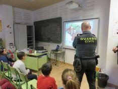 La Guardia Civil da charlas en los institutos