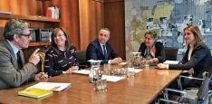 Reunión entre Junta y la Fundación Secretariado Gitano. / Jta.