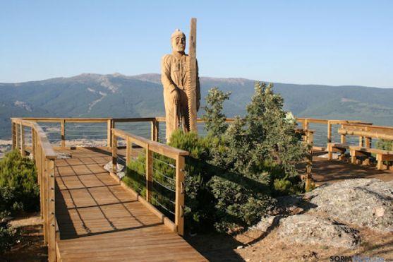 Mirador en Duruelo de la Sierra.