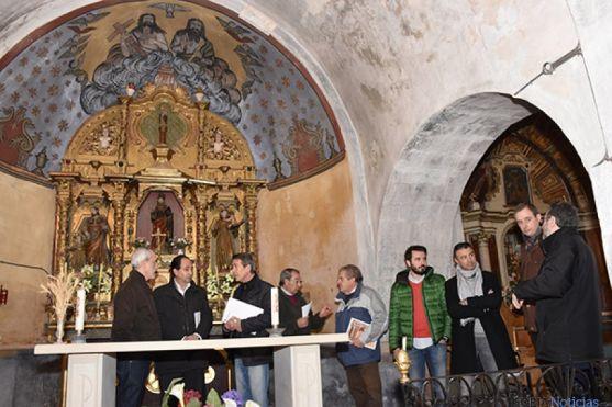 Interior de la iglesia de Cerbón.