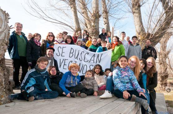 Reunión de los vecinos de Fuentelfresno, que quieren atraer a más familias
