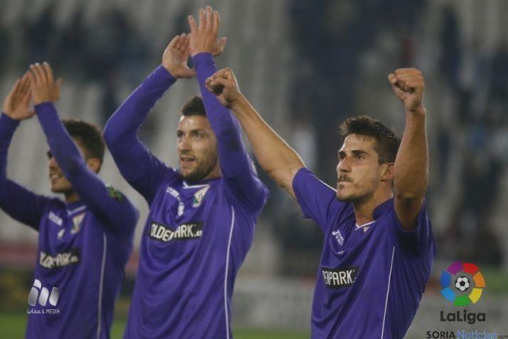 Los jugadores del Leganés celebran su victoria en Córdoba.