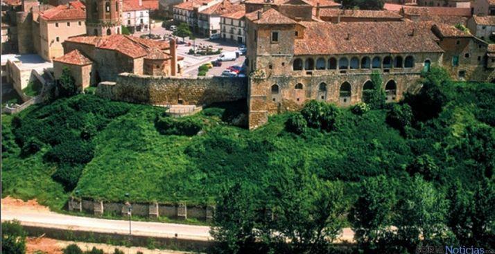 Vista parcial del casco antiguo de Almazán y su muralla. / SN