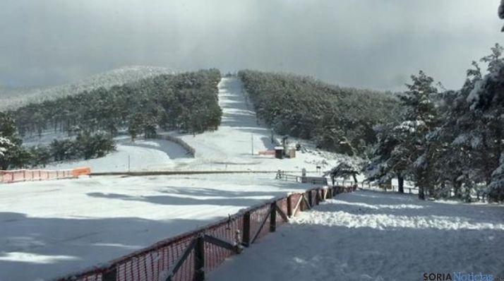 Pista de esquí y remonte en Santa Inés