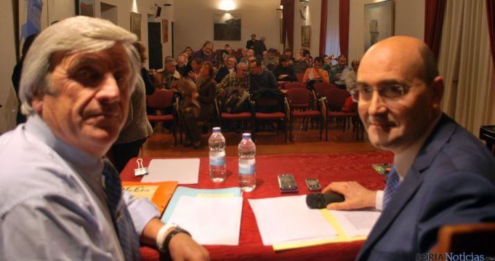 Jesús Hernández (izda.) y Jesús Alonso, antes de la reunión en Ágreda. / SN