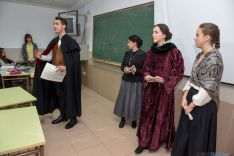 Foto 5 - El instituto Machado teatraliza la orden que lo creó hace ahora 175 años