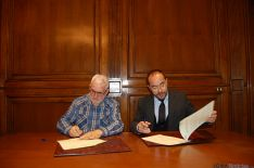 Firma del convenio de colaboración entre la Diputación y Abejar.