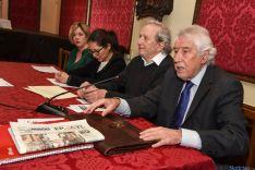 Núñez Encabo junto a los representantes insititucionales. /Fotos: Ana Isla