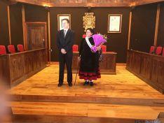 Foto 3 - Eladia Antón, alcaldesa de El Burgo en el Día de Santa Águeda