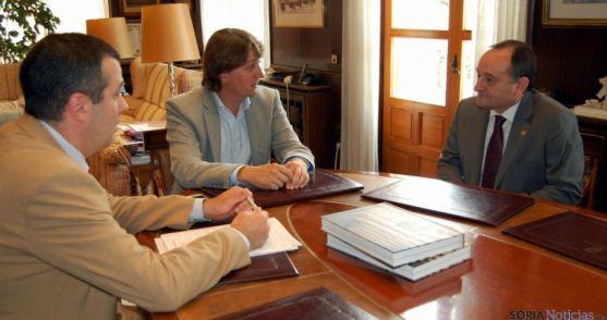Reunión del rector de la UVA y el vicerrector del campus de Soria con el alcalde de Soria.