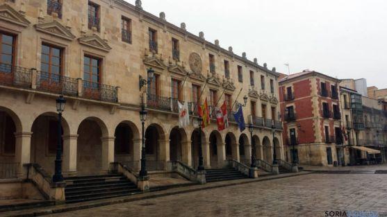 El Ayuntamiento incumple los plazos de la Ley de Morosidad.