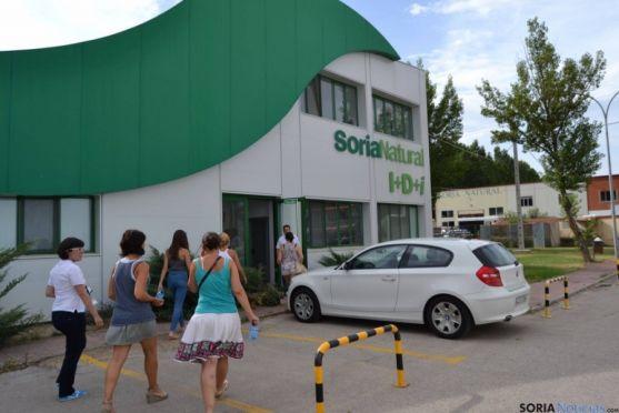 Visita a los laboratorios de Soria Natural.