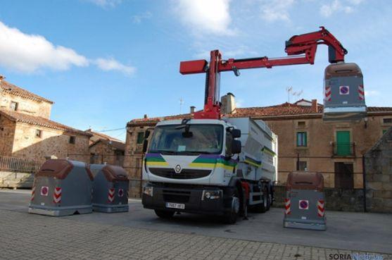 La Diputación se encarga del transporte y tratamiento de los residuos.