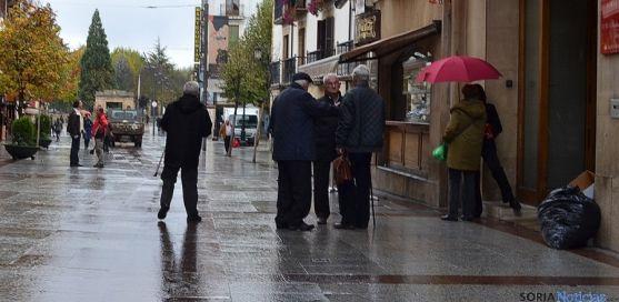 Ciudadanos en el céntrico El Collado.