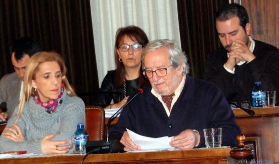 El concejal de Cultura, Jesús Bárez, da lectura al dictamen. / Ayto.