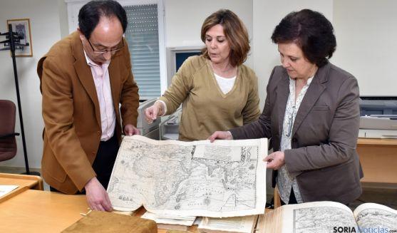 Manuel López, Paloma Castesana y Teresa de la Fuente. / Jta.