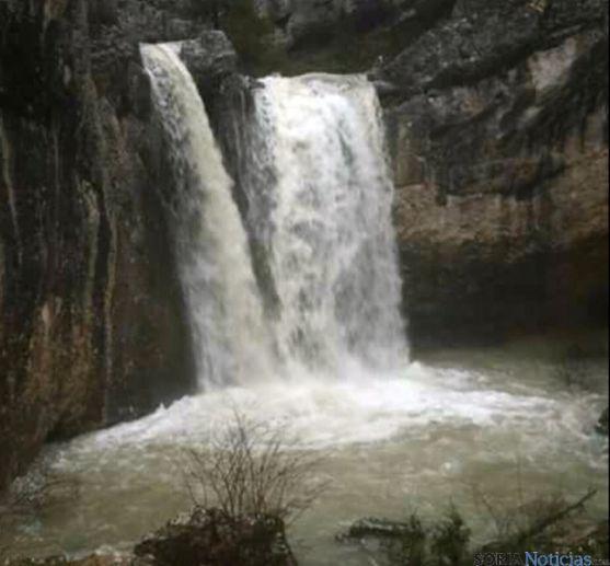 Cascada del arroyo de la Hoz, en la Fuentona
