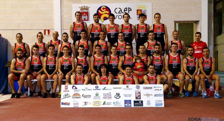 Foto de familia del equipo.