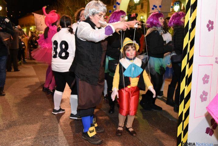 Foto 2 - Mucho 'calor' carnavalero a pesar del frío